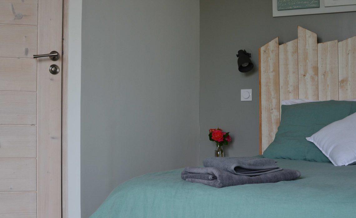 Chambres d'hôtes ile de Ré- Les Petites Terres - chambre pour 3 personnes, accès indépendant, pièce de vie et terrasse commune